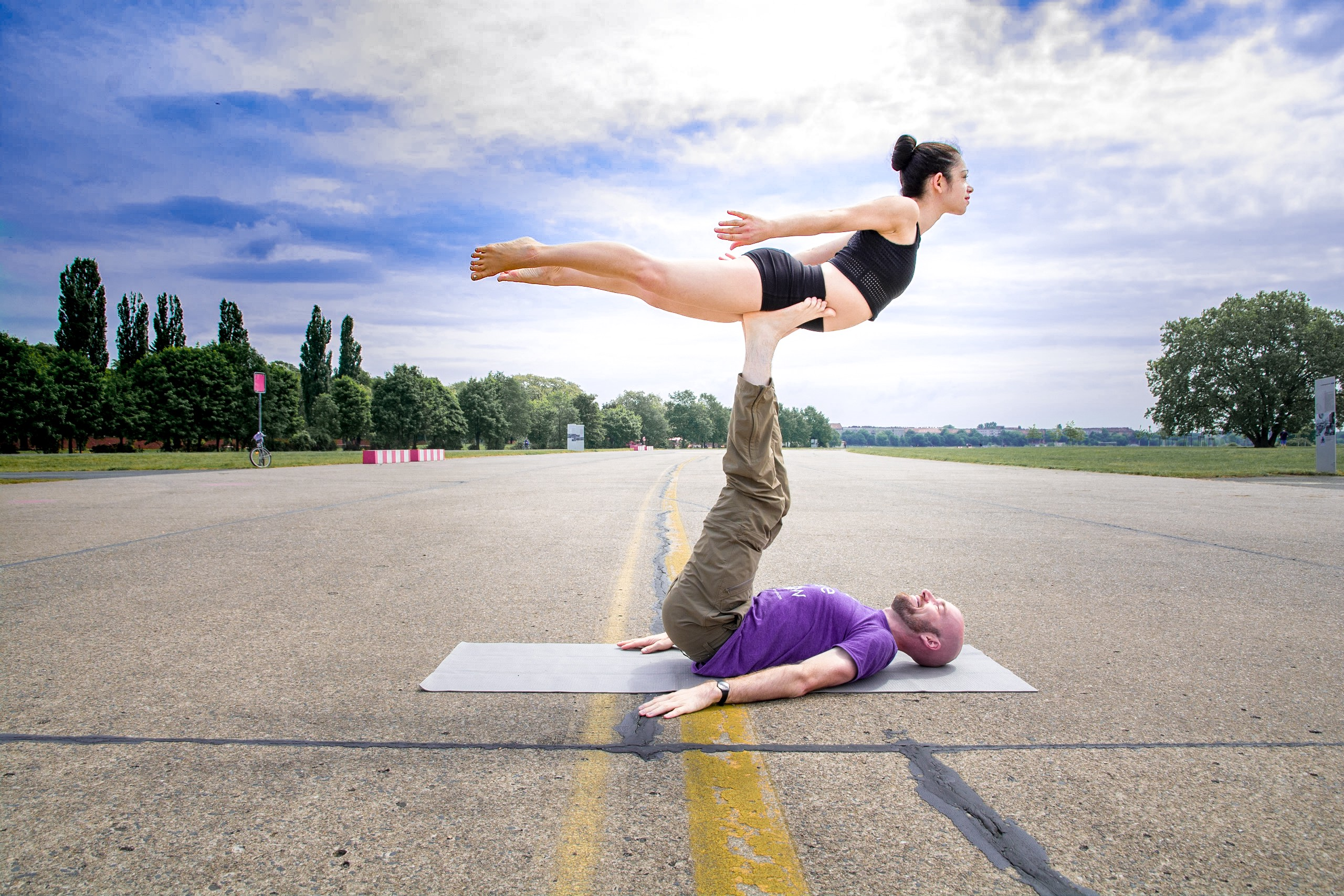 Why Should I Try Acroyoga It S Fun It S Accessible It Fosters By Danieacro Medium