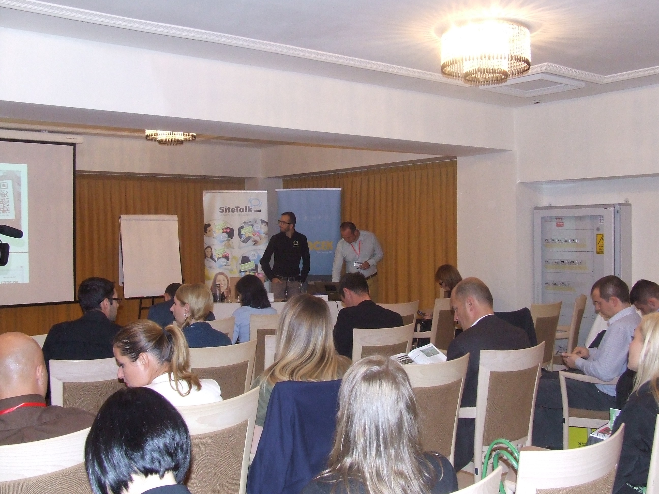 Adrian Niculescu speaking about social media marketing at Business Days in Cluj, Romania