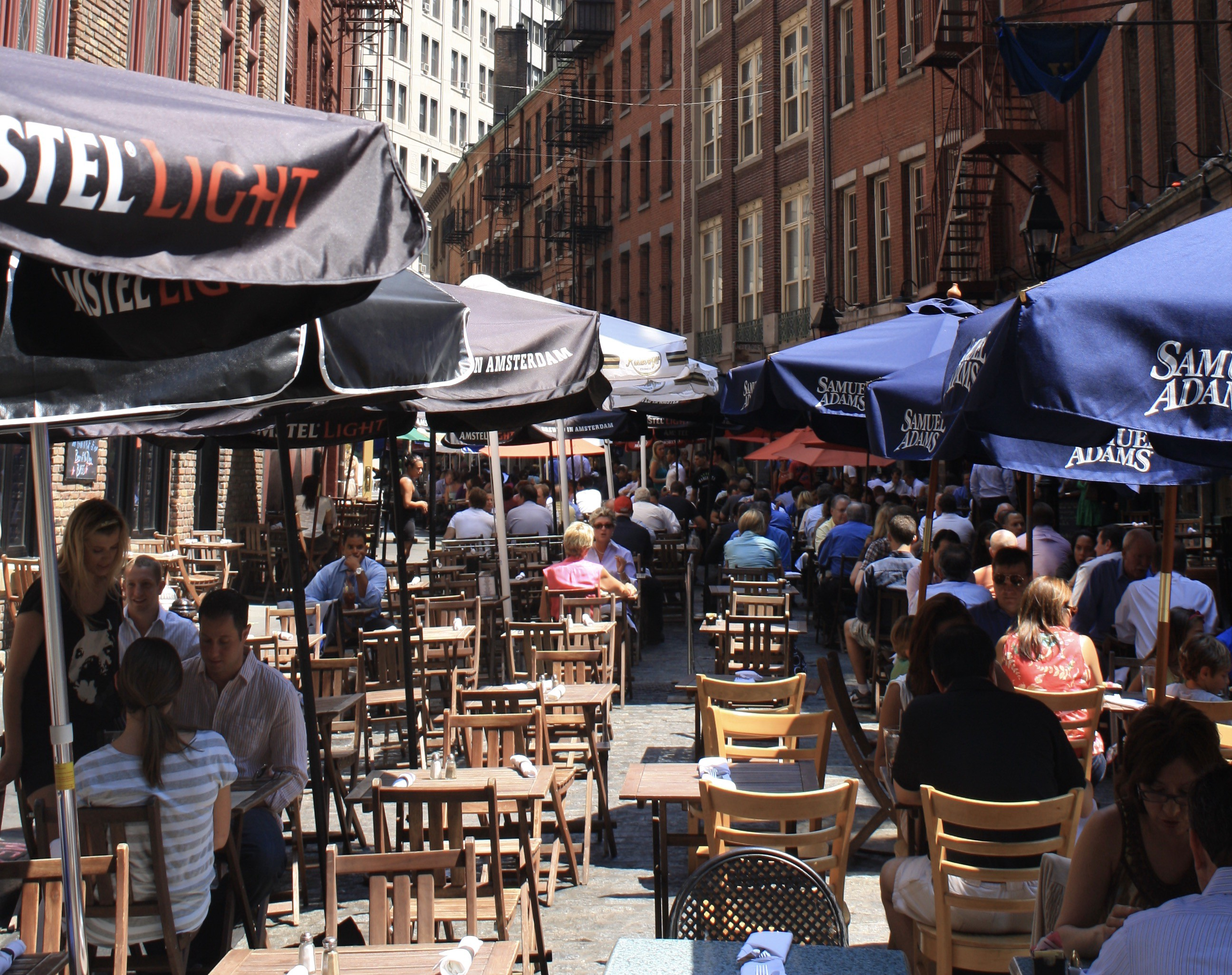 Stone Street, a place for pedestrians, before COVID 19