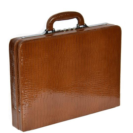 What Is Leather Made Of >> Things You Should Know About Men S Leather Briefcase