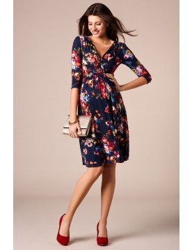 How to Buy Maternity Clothes Online - Seven Women - Medium