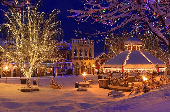 Things To Do In Small Town America During The Holidays