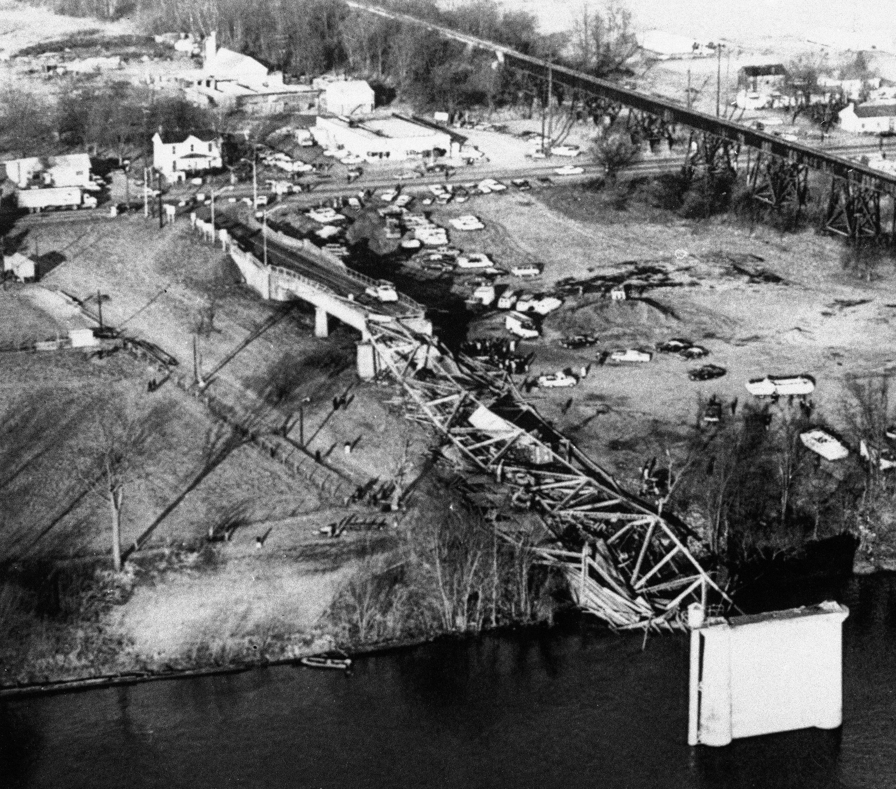 The deadliest bridge disaster in US history was caused by a