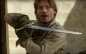 jaime-holding-his-sword-wrong