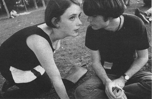 Here's a giant 800-track alt/indie-focused 90's playlist in chronological order