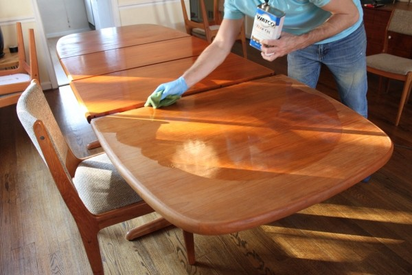 How Do You Refinish Teak Furniture