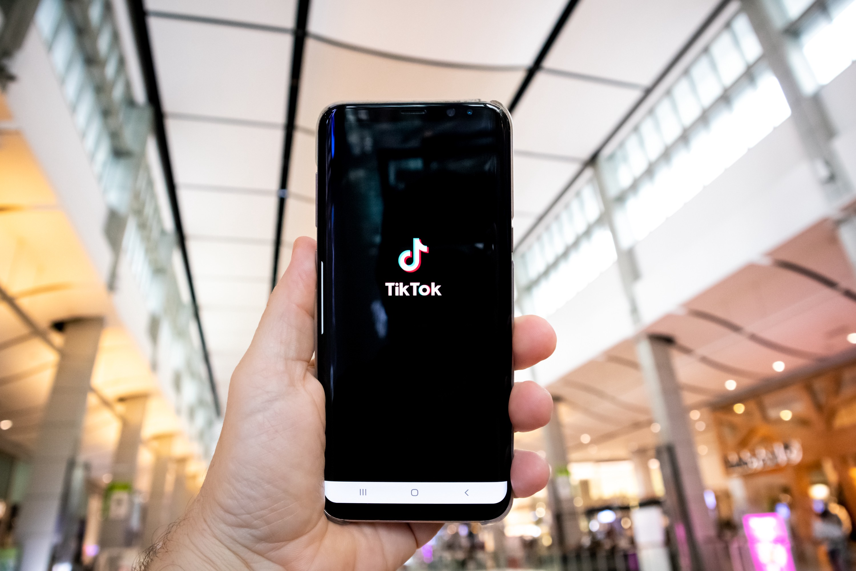 China Restricts The export of AI Technology! TikTok Algorithm Is Named, Sold Or Restricted