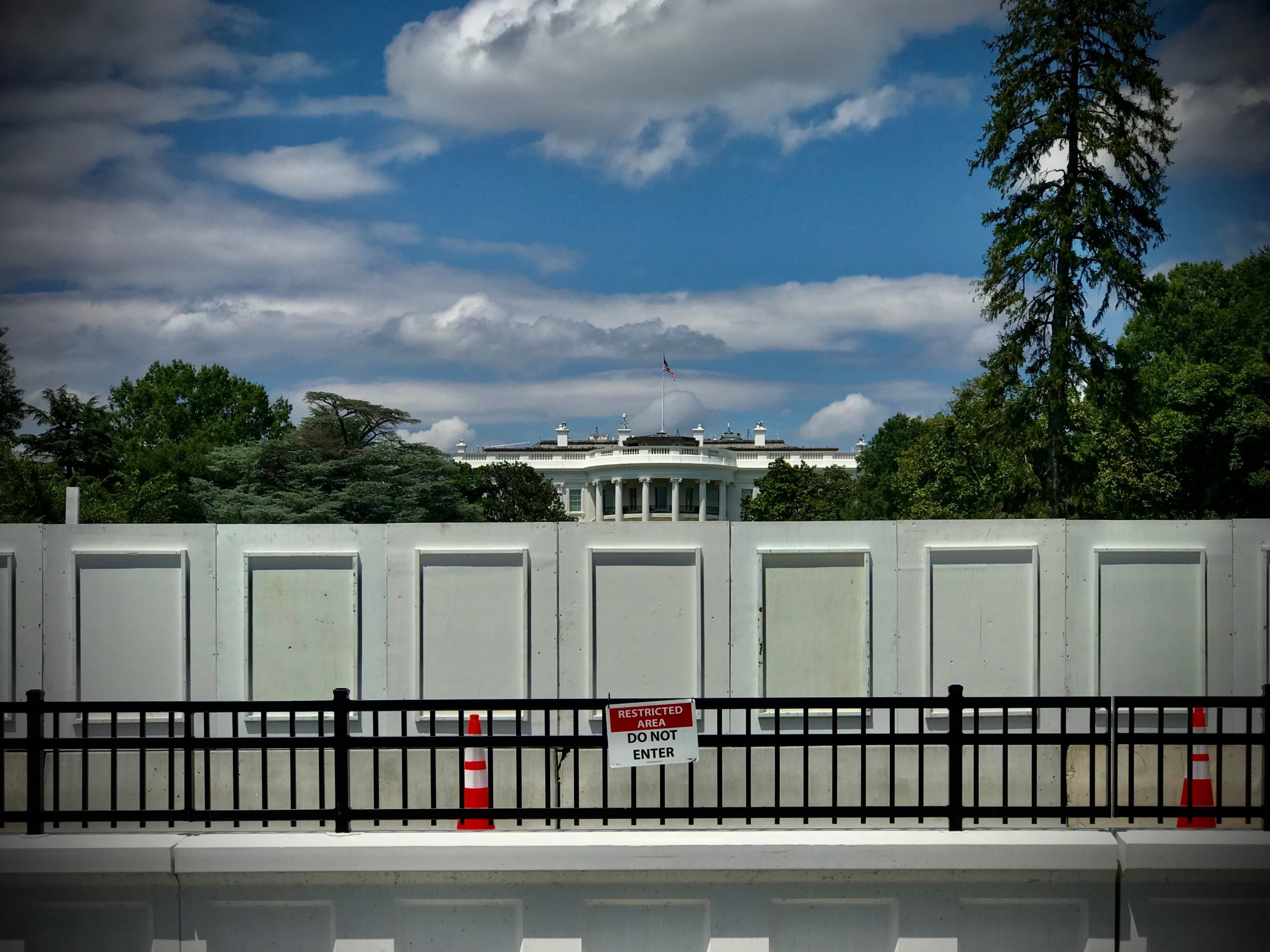 A walled-off White House