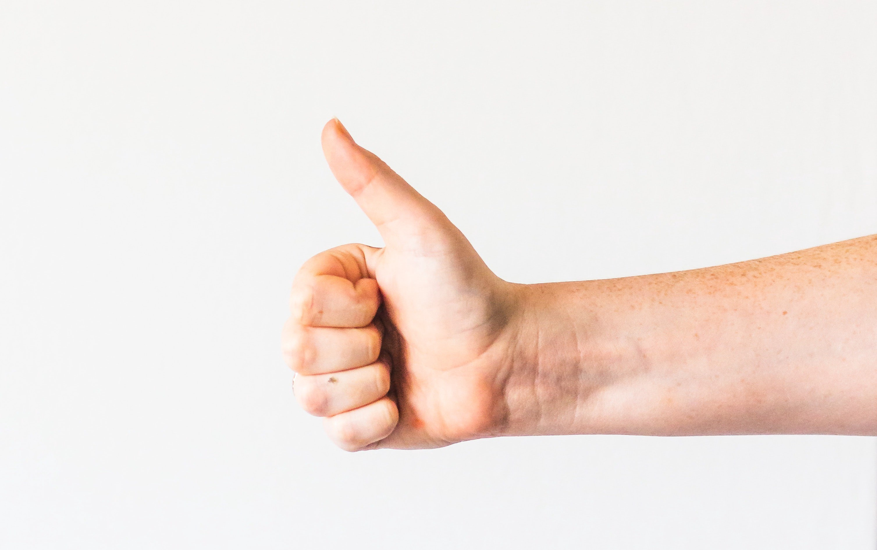 Thumbs up expression