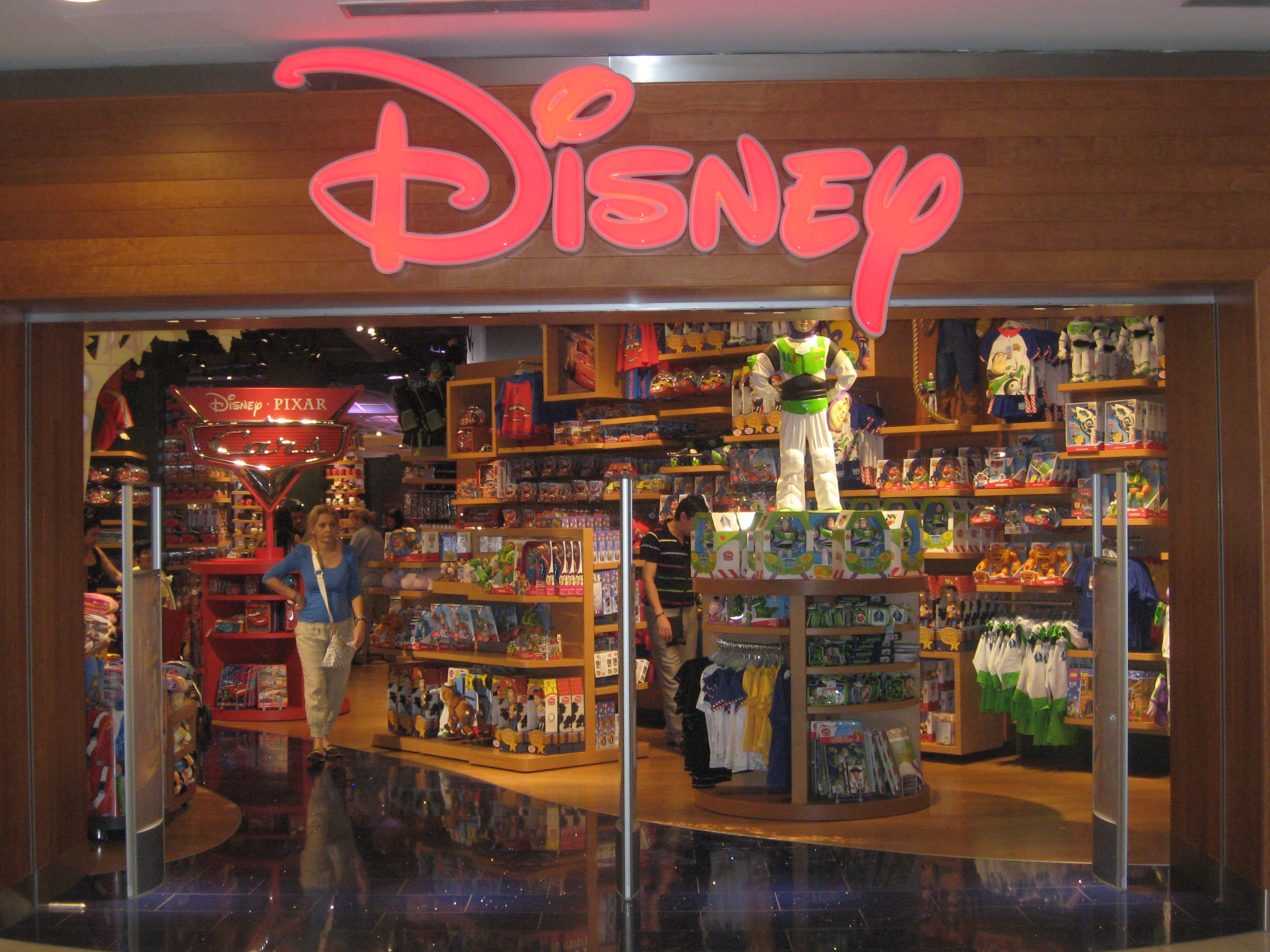 La Narrativa Transmedia En El Mundo De Disney By Marc Atanasio Medium