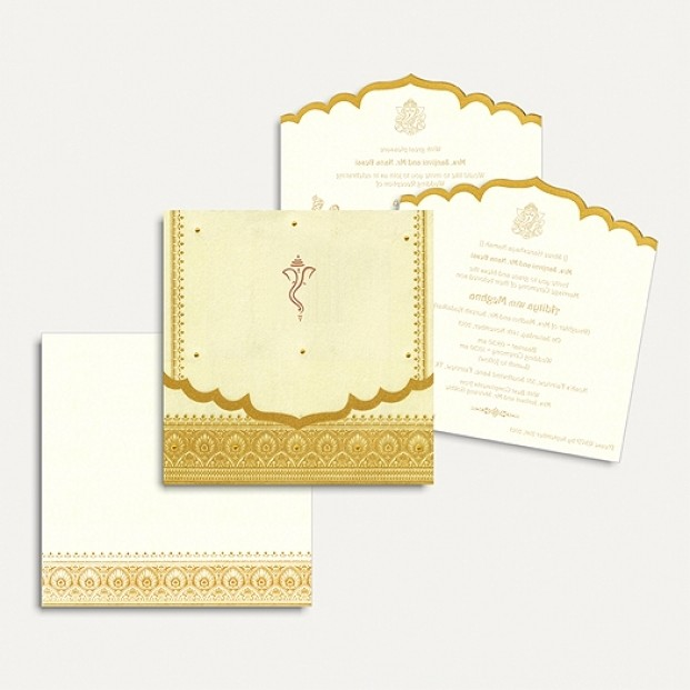 Order Gujarati Wedding Invitations With Customized Look And