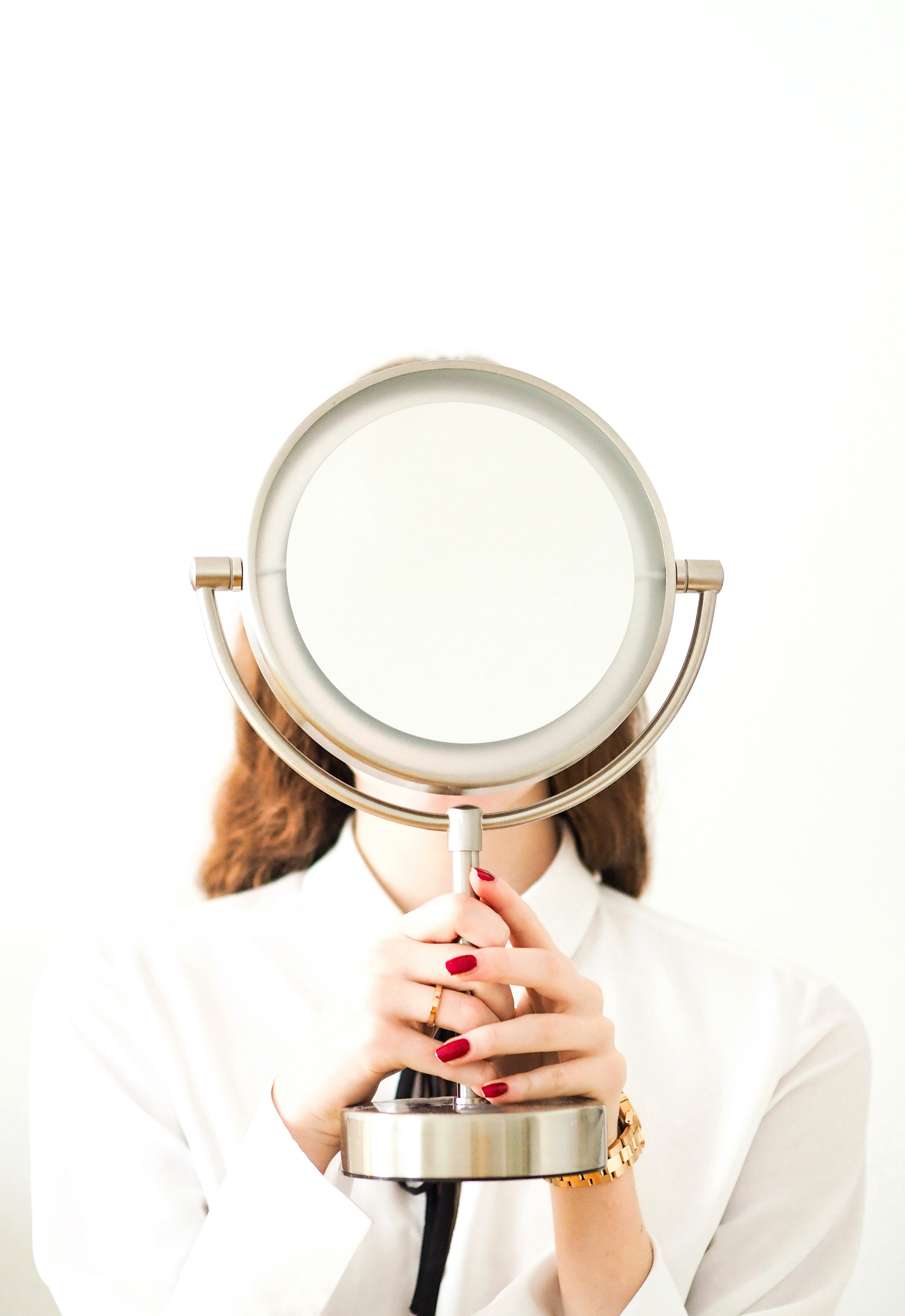 self looking in the mirror