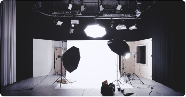Strobe Flash Vs Continuous Lighting Which One Is Best For Me By Chris Romans Medium