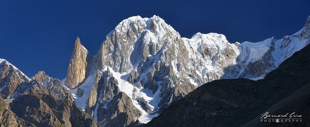 Lady Finger, 6,000 meters, and Hunza Peak, 6,270 meters, from Eagles Nest in early morning—Photo: Bernard Grua