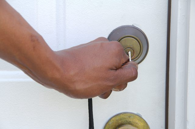 How to Get a Stuck Key Out of a Lock Quickly   by SATHIYARAJ   Medium