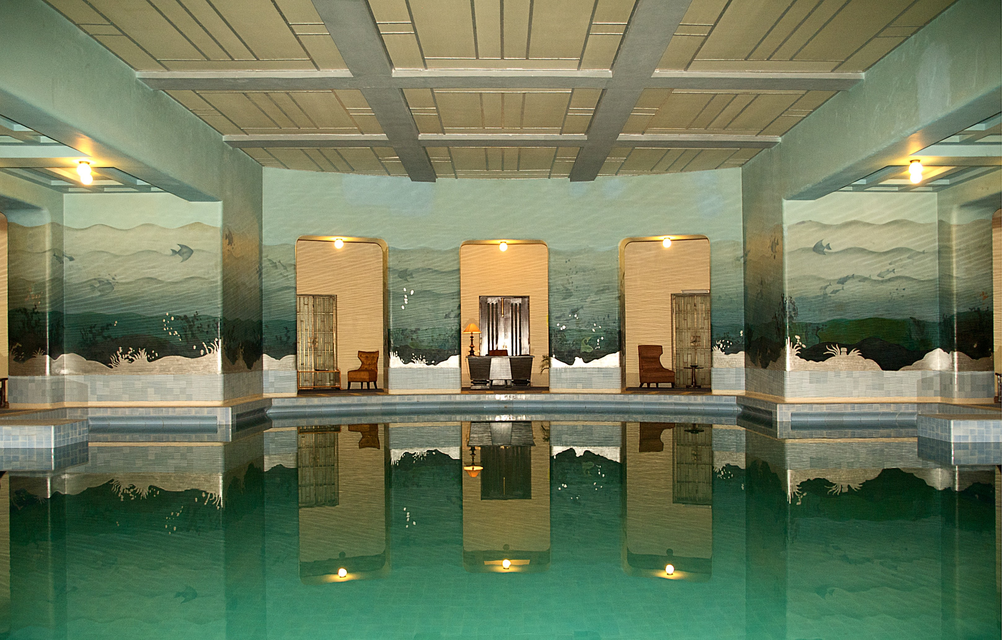 5 Things to Consider When Building an Indoor Swimming Pool