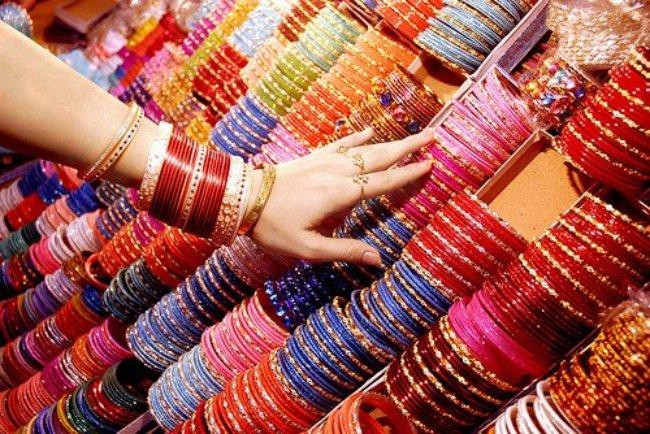 TRUE SIGNIFICANCE OF BANGLES IN INDIAN CULTURE | by Shivam Kumar | Medium