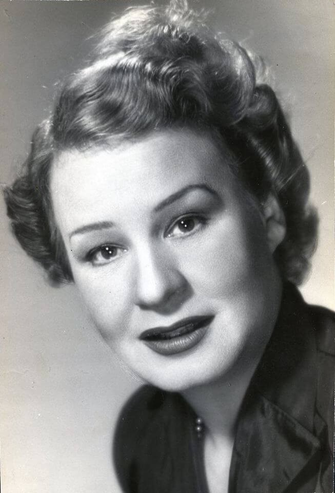 Shirley Booth Biography, Age, Weight, Height, Friend, Like ...