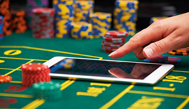 Why people find online gambling more interesting? | by Indonesia Football |  Medium