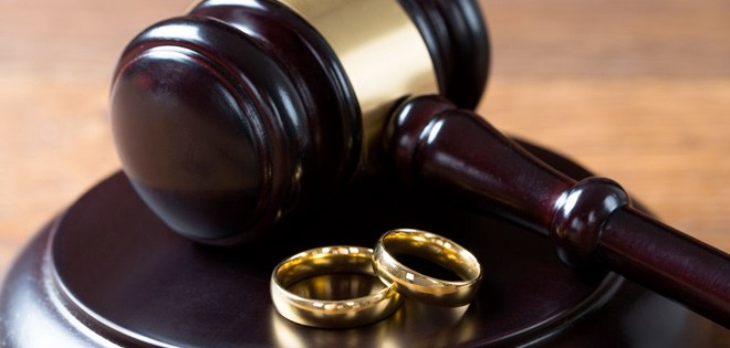 Factors To Consider When Choosing A Divorce Attorney