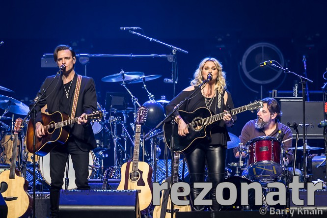 The Eagles at PNC Arena — Raleigh, NC- 4/17/2018 - Rezonatr Magazine