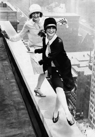 Fashion of NYC men and women in the 1920s (Gallery)