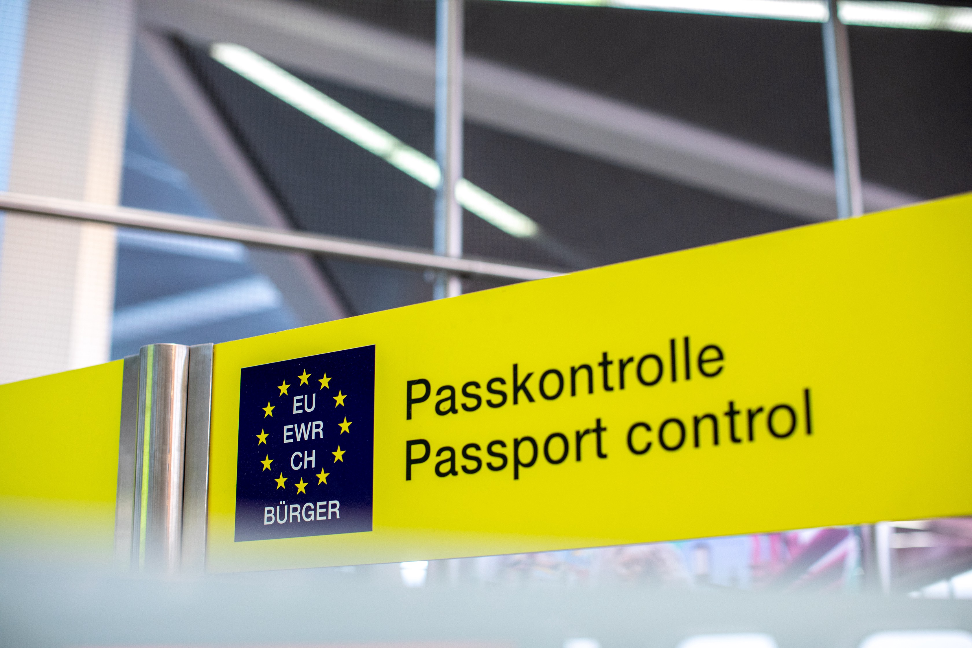 Artificial Intelligence Systems In Airports Passport Control To Curb Criminals