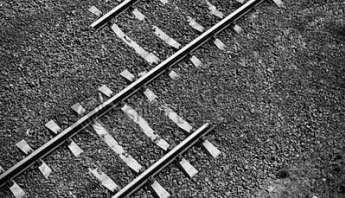 Train tracks that don't meet up properly