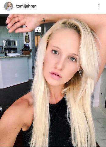 tomi lahren's makeupfree moments hairstyles visual