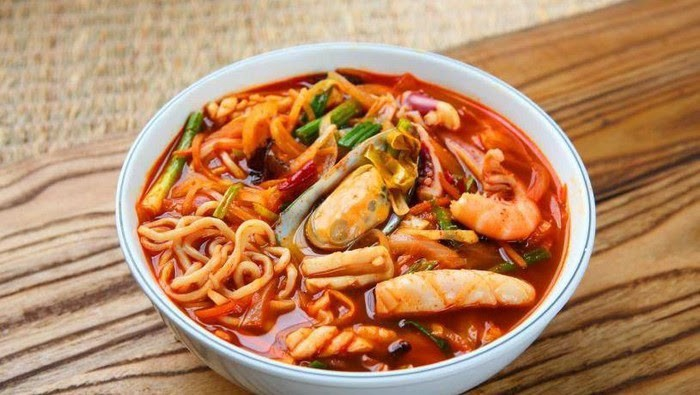 Recipe for Jjampong, Korean Spicy Seafood Noodles, Yummy !!!