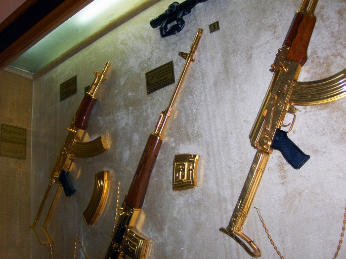 Gold AK-pattern rifles, gift from Saddam hussein to egypt. Flickr user gary ku