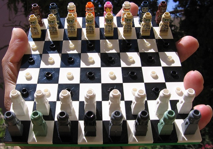 Lego Star Wars travel Chess set / avi solomon