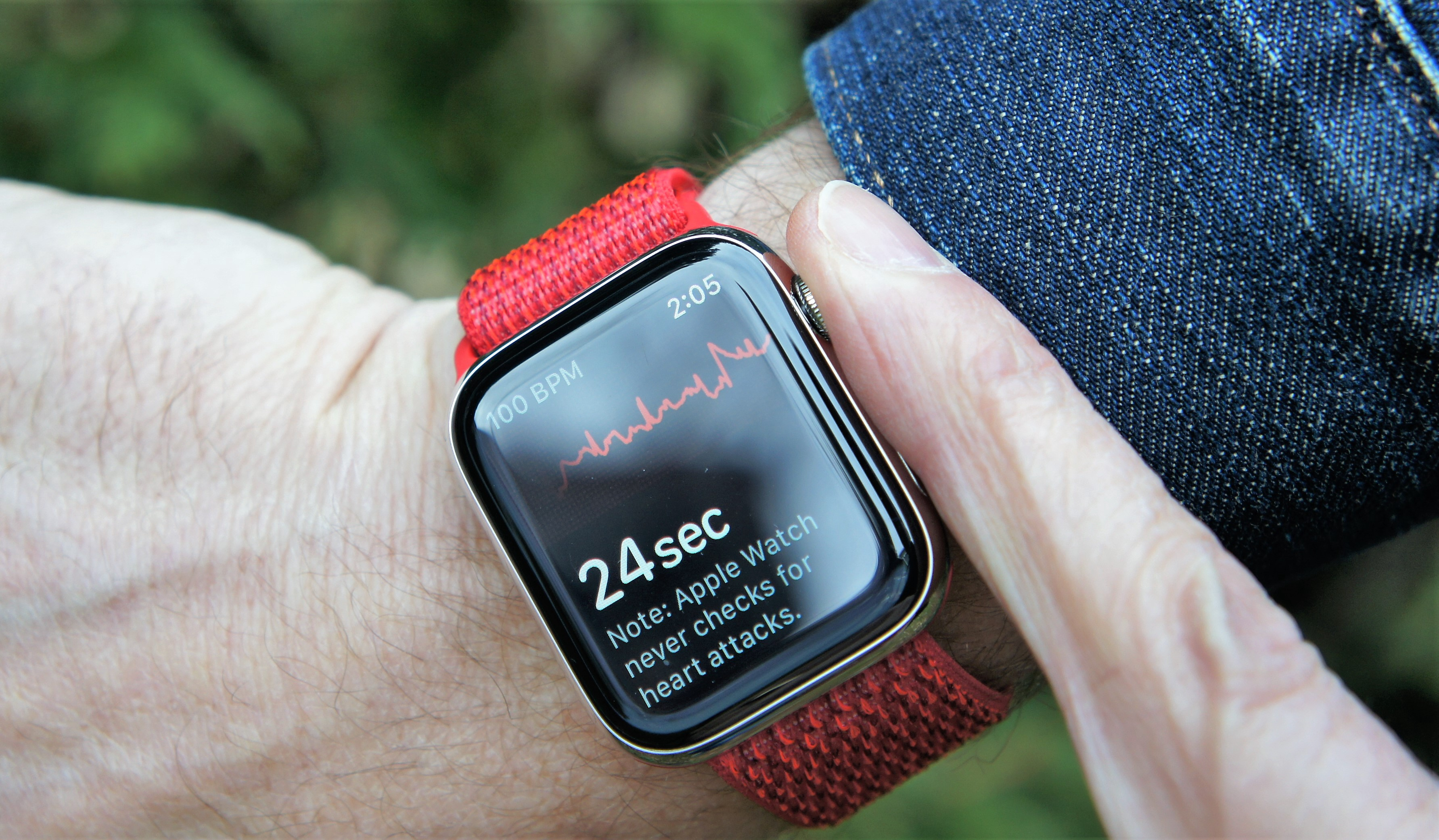 Hand and Heart on Apple Watch Series 4's ECG App - Lance