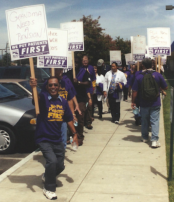 Hospital workers picket at Watsonville Community Hospital in 2004