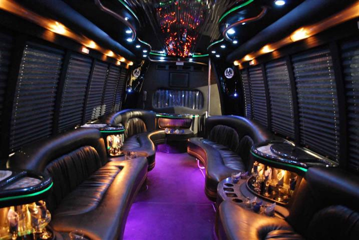 Party Bus Chicago, Airport Limo Service Chicago, Limo Service to O'Hare