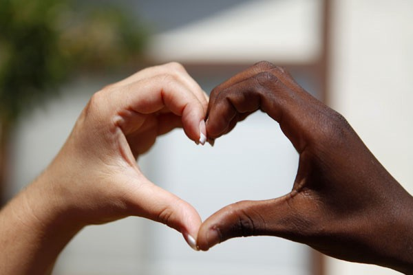 Interracial couples holding hands images 743