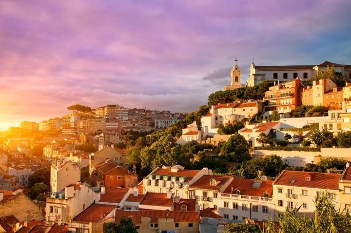 Build a startup In Lisbon for the Sun!