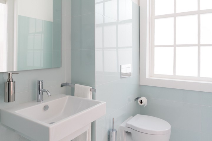 Homeowner 101: How to Deep Clean Your Bathroom - Modernize ...