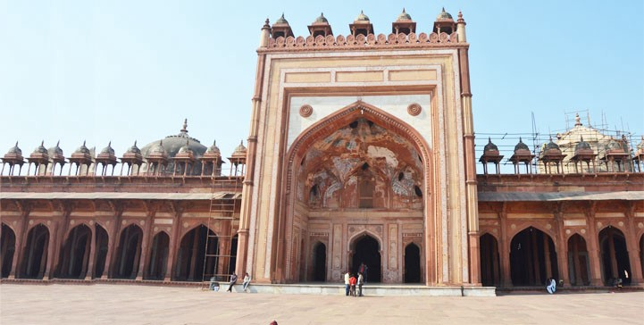 Fatehpur Sikri Incident and the need for Pro Poor Tourism in UP on istanbul map world, new delhi map world, great wall of china map world, india map world, mumbai map world,