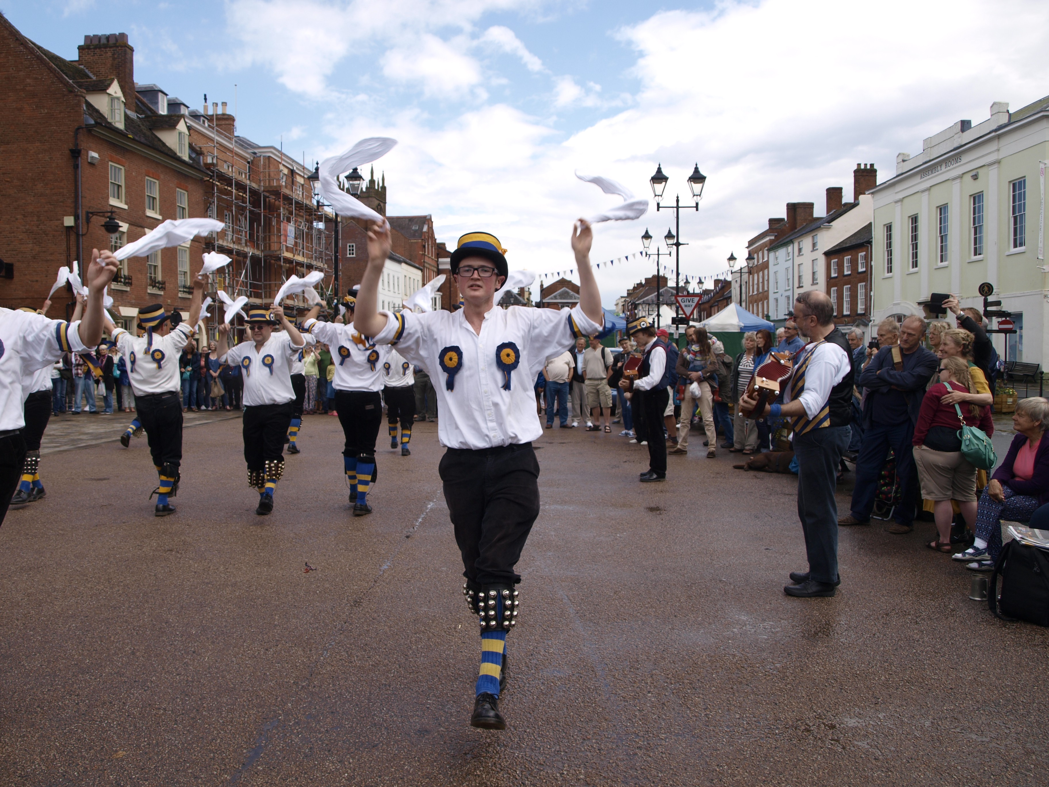 How To Do The Ludlow Fringe With Kidsfor Free Lucy Medium