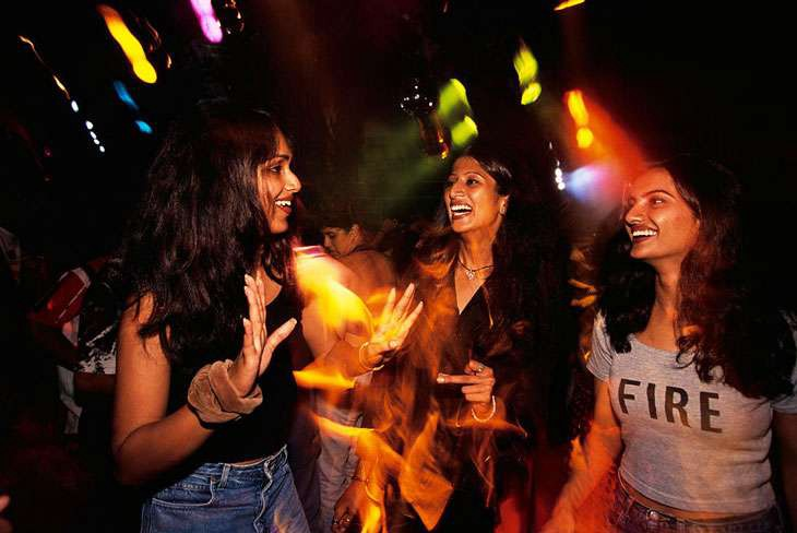 How to Meet Women in Jaipur Nightclubs | by CLUBFORU | Medium