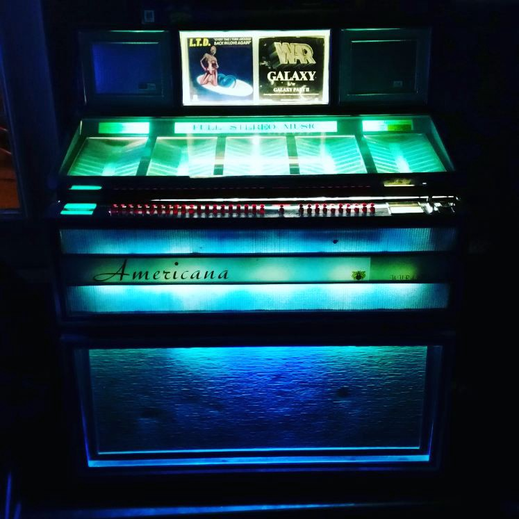 Restoring a '60s Jukebox with Raspberry Pi and Arduino