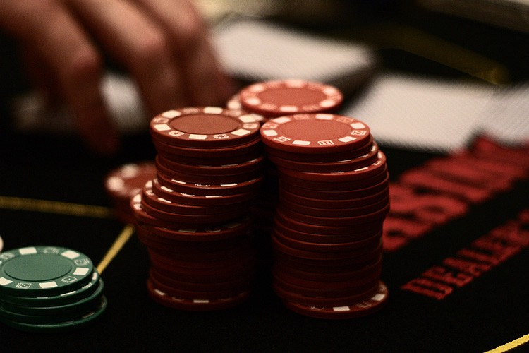 how gambling helps the economy
