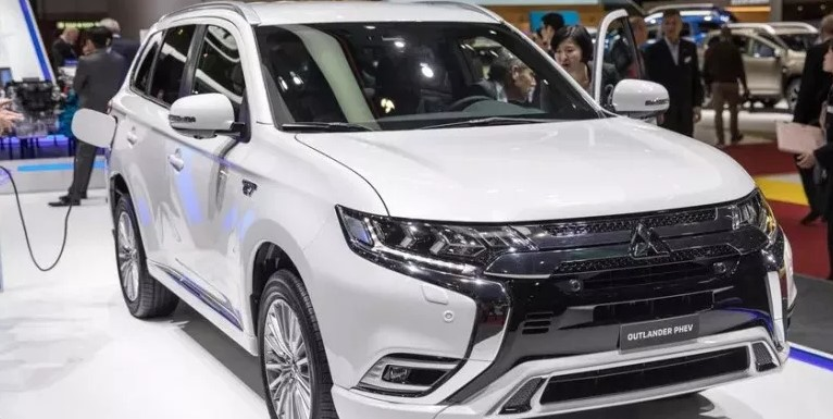 2020 Mitsubishi Outlander PHEV Redesign, Specs and Price