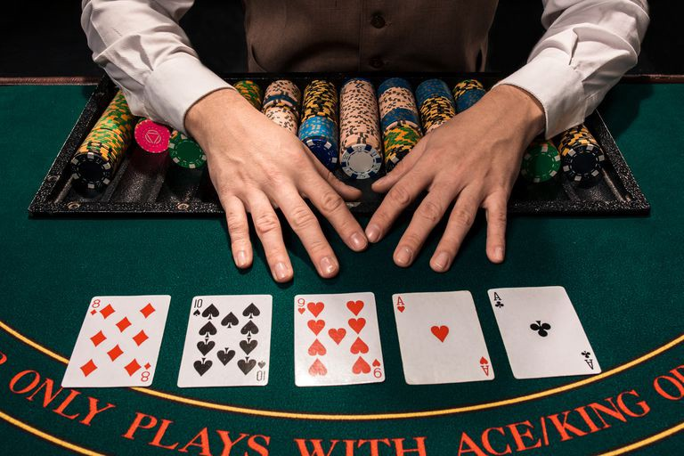 The Advantages of IDN Poker Server | by Taseer Bokhari | Medium