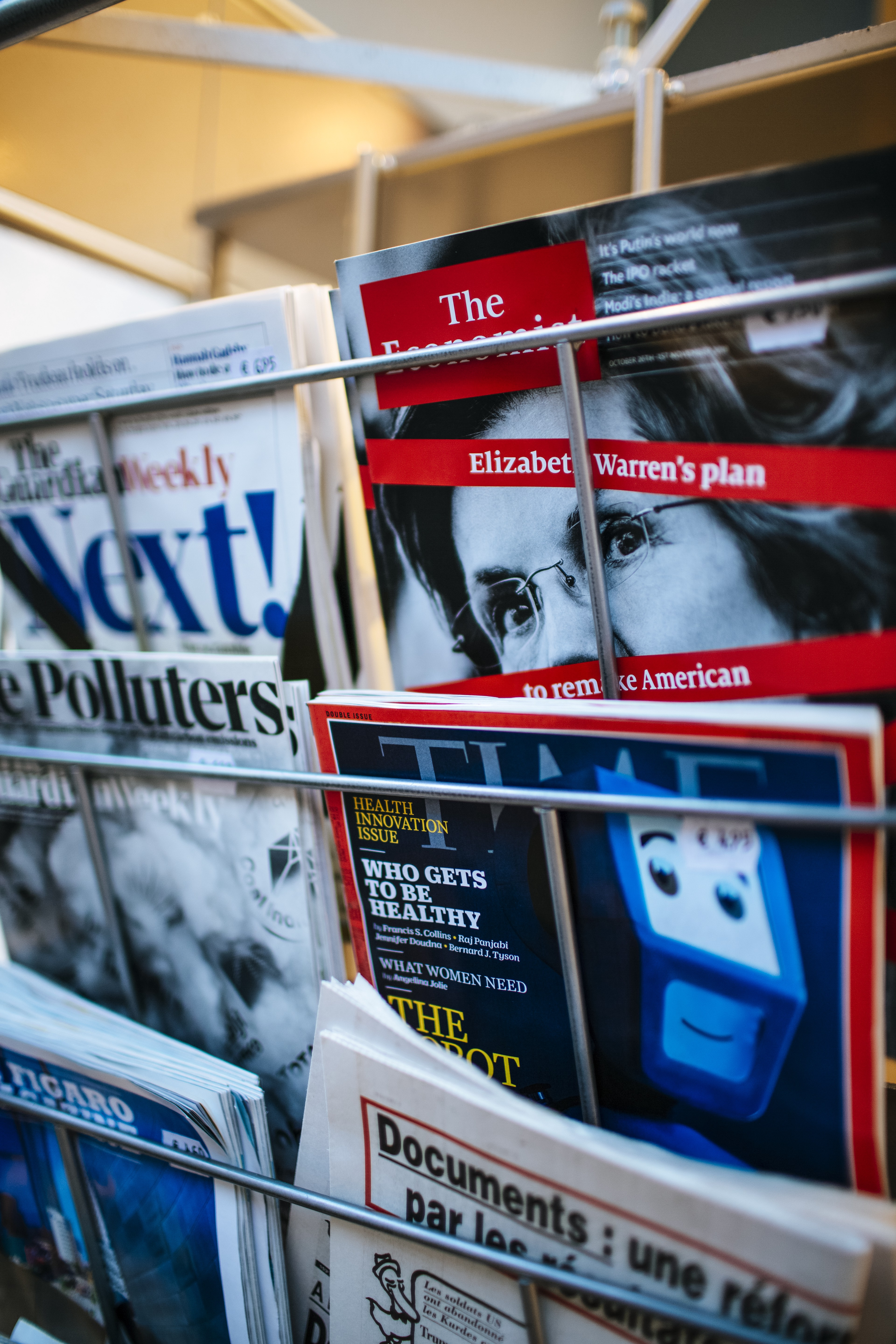 News stand Rack with published magazines