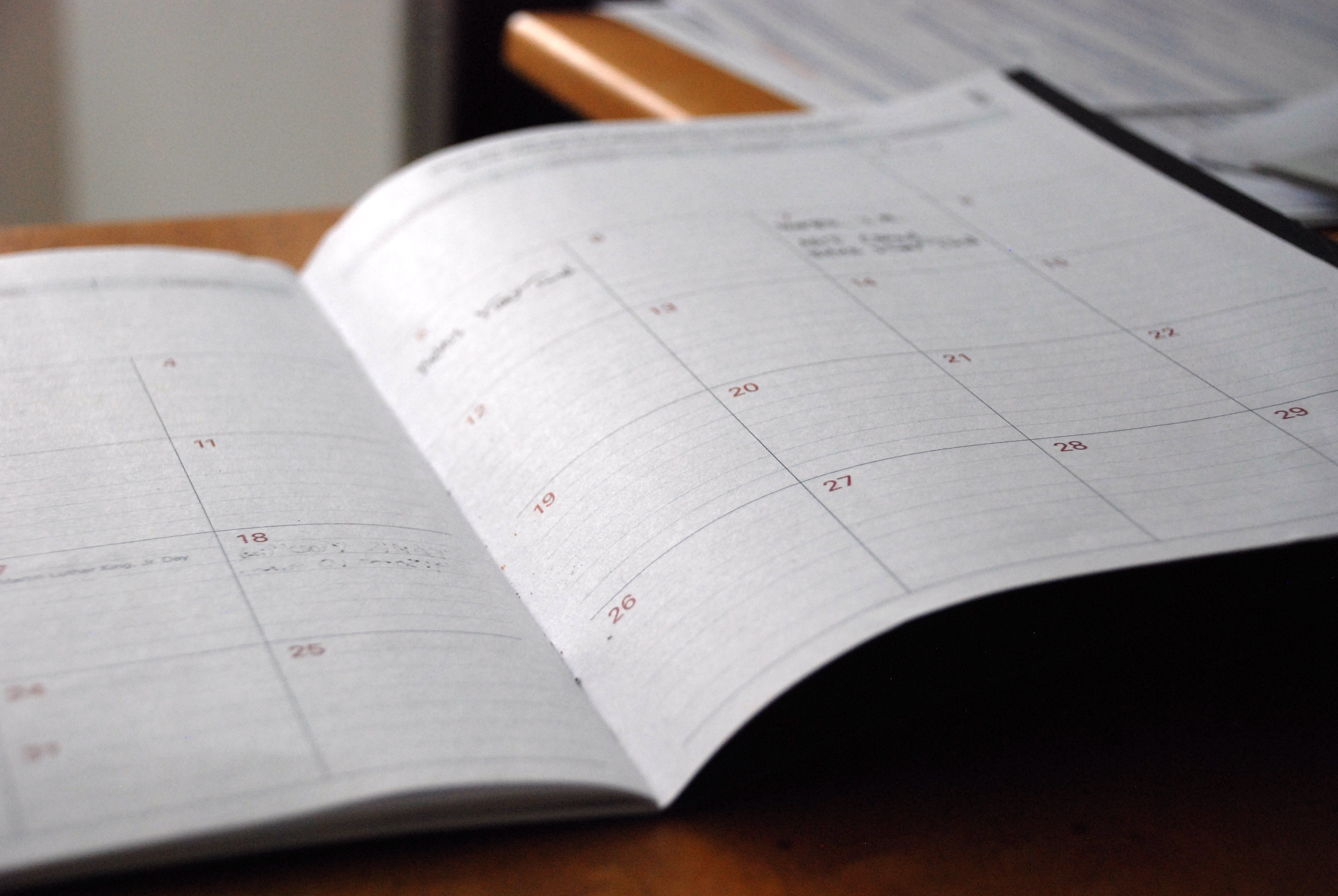 How to Use a Desktop Calendar Pad to Boost Your Productivity