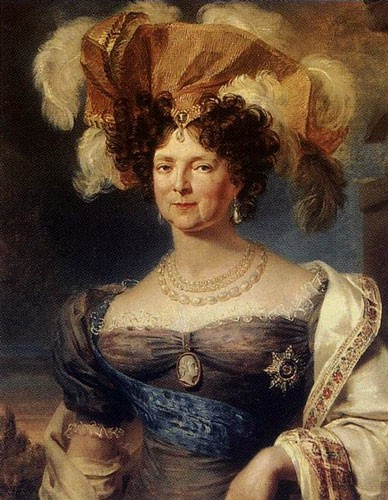 Maria Feodorovna in a purple dress, a feathered hat, and pearl necklaces and drop pearl earrings.