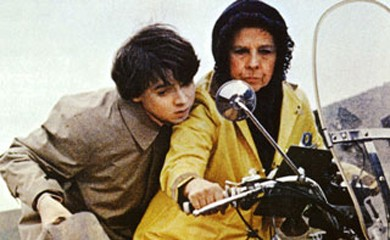 Bud Cort and Ruth Gordon on a motrocylce in Harold and Maude (1971)