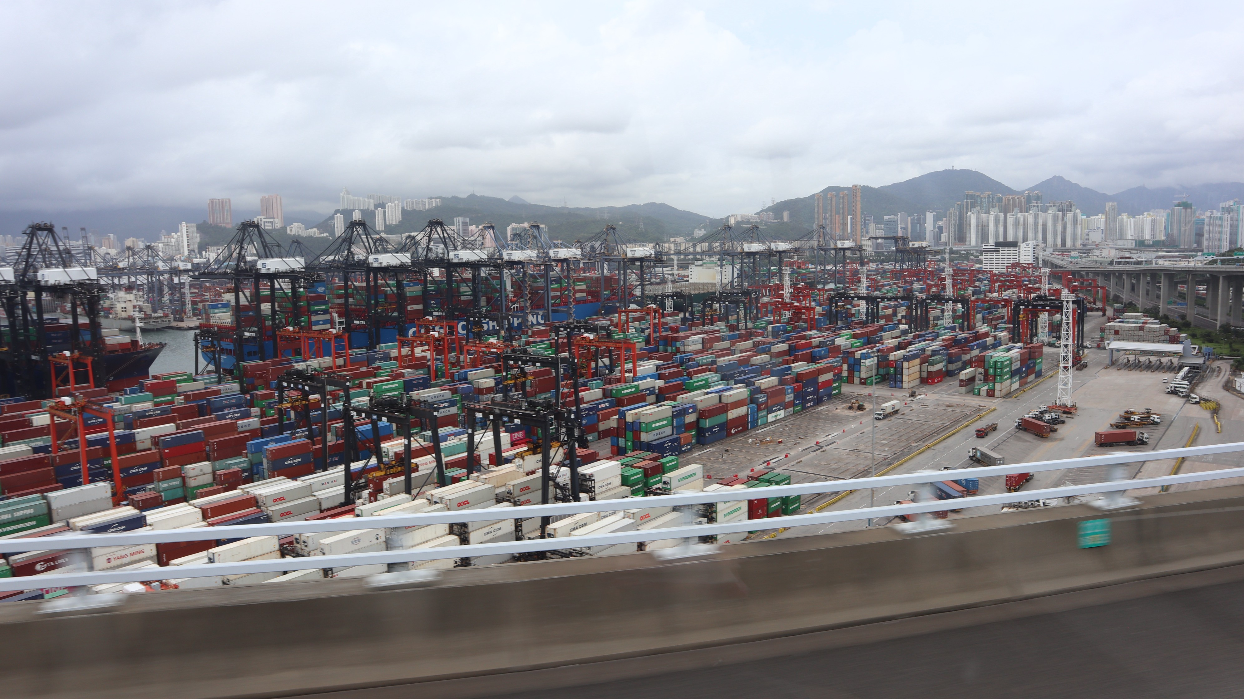 A picture of Hong Kong Harbour Port (Taken from the bus from Airport to hotel)